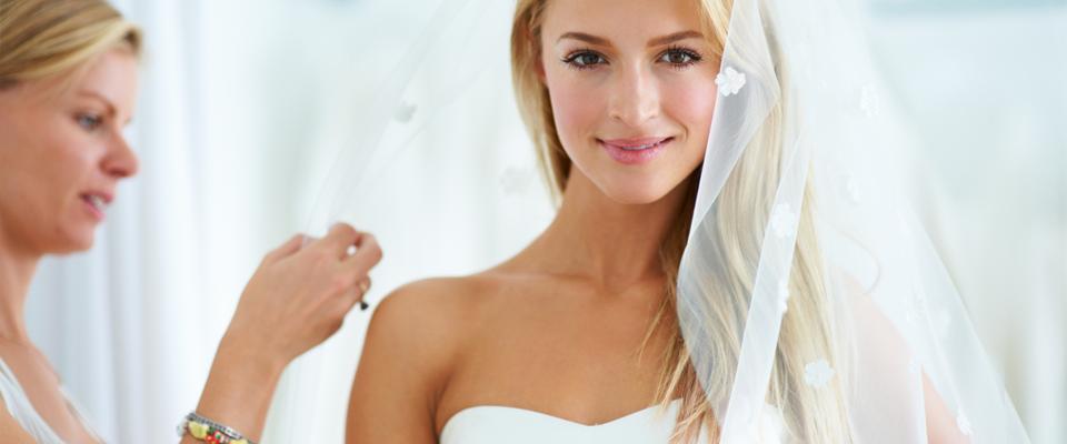 wedding-pics-bride-looking